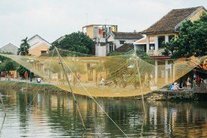 Жизнь на воде во вьетнамском Хойане